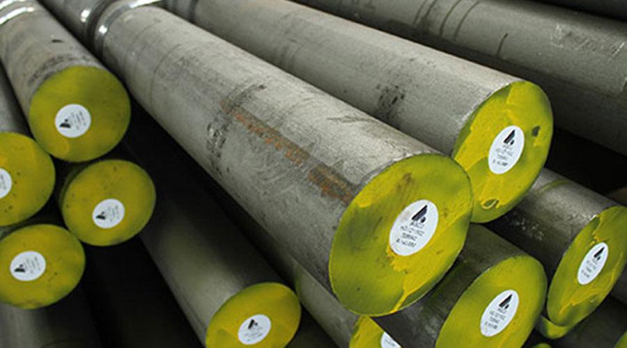 میلگرد فولادی A36 دارای تراکم ۷۸۰۰ کیلوگرم در هر مترمکعب است. مقاومت فشاری میلگرد فولادی A36 حدود ۲۰۰ گیگا پاسکال (GPa 200) است.