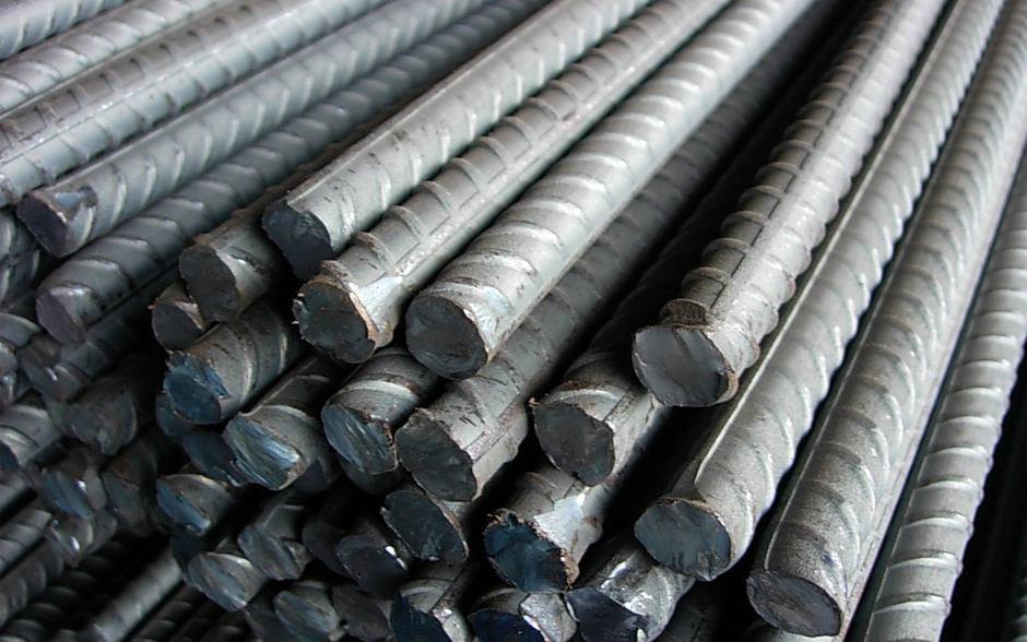 یا آرماتور فولادی است که در بتن برای جبران مقاومت کششی پایین آن (بتن) مورد استفاده قرار میگیرد. فولادی که به این منظور در سازههای بتن آرمه به کار میرود به شکل سیم یا میلگرد میباشد و فولاد، میلگرد نامیده میشود. البته در موارد خاصی از فولاد ساختمانی نظیر نیمرخهای