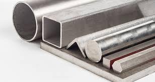 فولاد یكی از مهم ترین آلیاژها است. همه ساله میلیون ها تن از آن در جهان تولید می شود. این فلز مصـرف های بسیار گوناگونی دارد. از لوازم آشپزخانه گرفته تا ریل های سنگین راه آهن، همه را از فولاد می سازند. آلیاژ فولاد از آمیختن«كربن» با« آهن» درست می شود. اما فولاد ضد زنگ یكی از مهم ترین انواع آلیاژ فولاد می باشد.