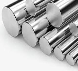 آلیاژ میل کروم که با نام میلکروم نیز شناخته می شود از دسته آلیاژهای خاص و سوپر آلیاژها بوده که جنس پایه آن از فولاد ck45 بوده و دارای روکشی از جنس کروم می باشد که عمدتا برای کاربردهای هیدرولیک و پنوماتیک استفاده می شود. از ویژگی های آلیاژ میل کروم یا همان میلگرد هارد کروم، مقاومت در برابر سایش ،فشار، ضربه و خوردگی، صافی سطح و کیفیت یکنواخت را می توان برشمرد. به طور کلی میلگرد هارد کروم به دلیل داشتن روکش کروم در شرایط با اصطکاک بالا و محیط های مرطوب و خورنده کاربرد فراوانی دارند.