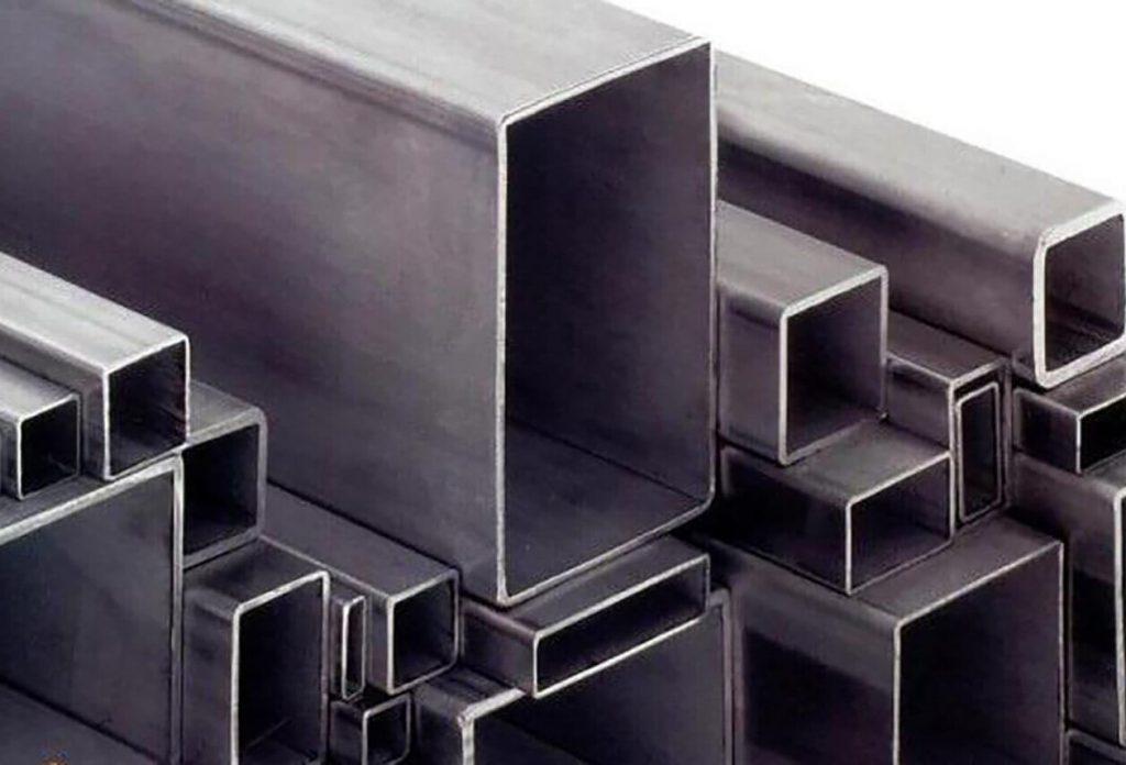 پروفیل مصارف زیادی در ساختمان سازی، صنعت و راه سازی دارد، اما بیشترین کاربرد آن در ساخت در و پنجره های آهنی می باشد.