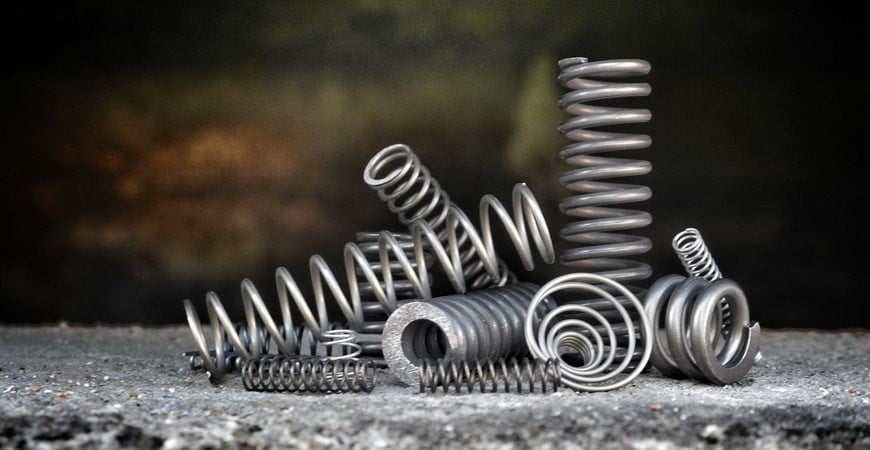 فولاد فنر Ck75 با شماره استاندارد ۱٫۱۲۴۸ برای تهیه فنرهایی با دقت ابعادی و کیفیت بالا به کار گرفته می شود.